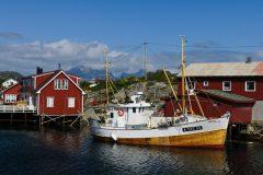 Ballstad, ca 1 hour from Lillevik