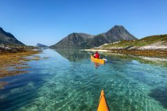 Kayaking at Lyngvær, ca 30 min from Lillevik